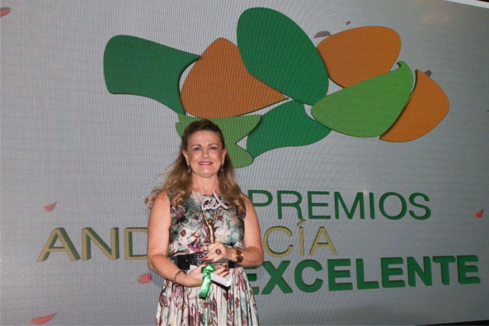 Premio Andalucia Excelente 2018, Dra. Eudoxia Lpoez Peral, premio medicina integrativa